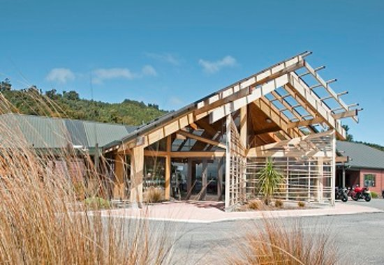 View of the outside of the Visitor Centre at Pukaha National Wildlife Centre